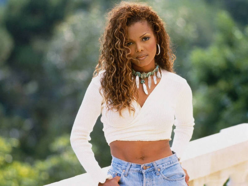 http://thatsmyjamradio.files.wordpress.com/2010/06/janet-jackson-10.jpg